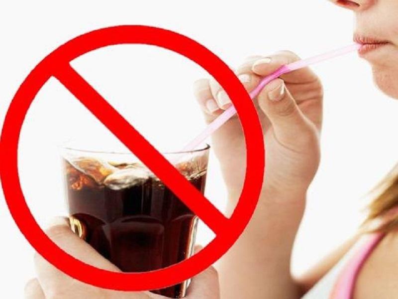 Bệnh nhân trào ngược dạ dày thực quản không nên uống nước có ga