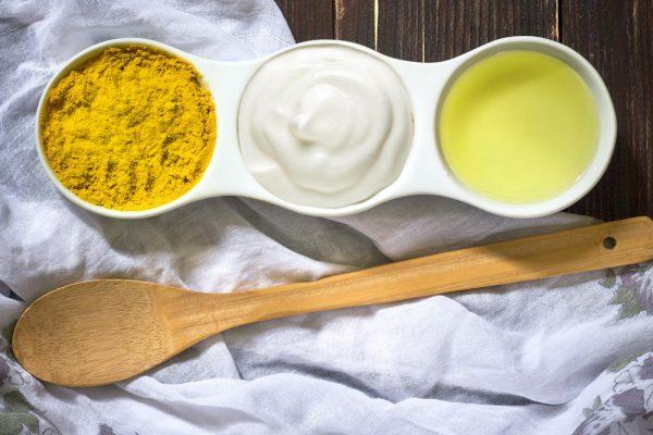 Sữa chua tinh bột nghệ cho người bệnh trào ngược