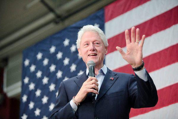 Tổng thống Bill Clinton phải áp dụng chế độ ăn thuần chay để giảm triệu chứng trào ngược.